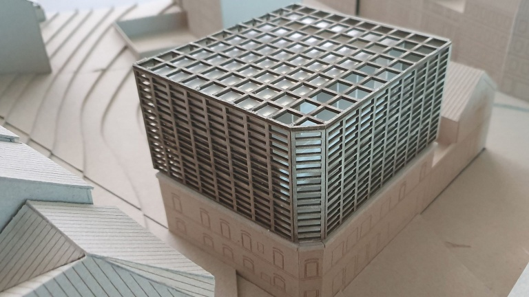 A model of MiMo